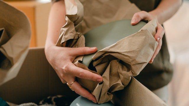 empaquetar objetos fragiles mudanza